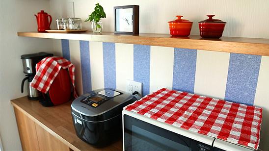 輸入壁紙でキッチンをカフェ風にアレンジ!〈坂本家〉