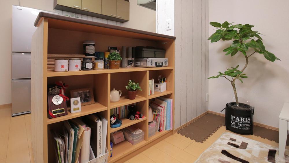 キッチンDIY②キッチン周りの壁面を輸入壁紙でイメージチェンジ!〈武田家〉
