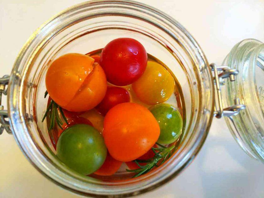 ハーブを食べる④カラフルトマトのピクルス〈坂本家〉