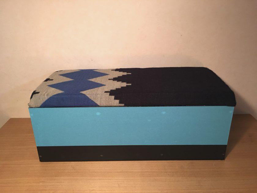 カラーボックスリメイク⑤子供部屋の収納できるクッションベンチ〈小野家〉